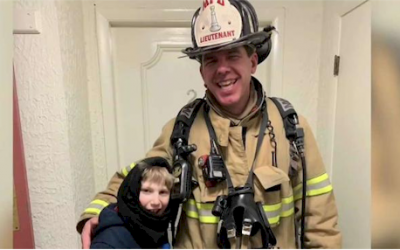 Firefighter Using Sign Language Befriends Non-Verbal Boy